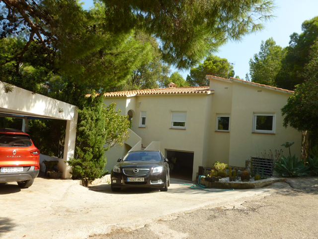 Villa For Sale in Las Rotas, Denia