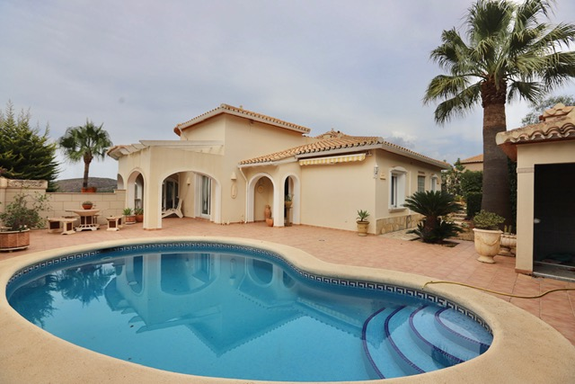 Luxury Villa For Sale in La Sella Golf Resort, Denia