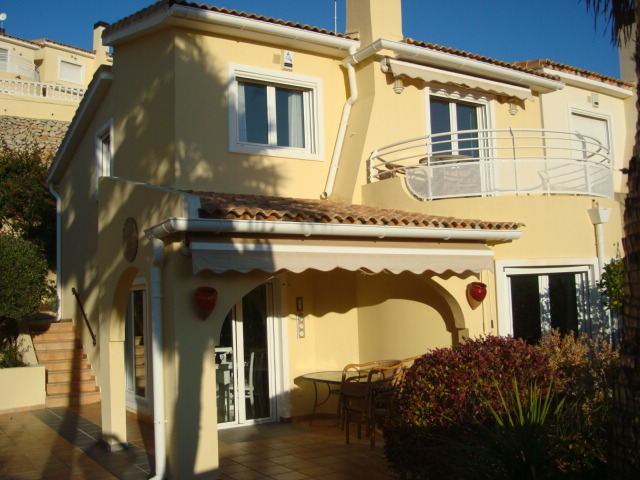 Villa for sale in Gata Residential