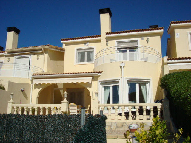 Villa for sale in Gata de Gorgos