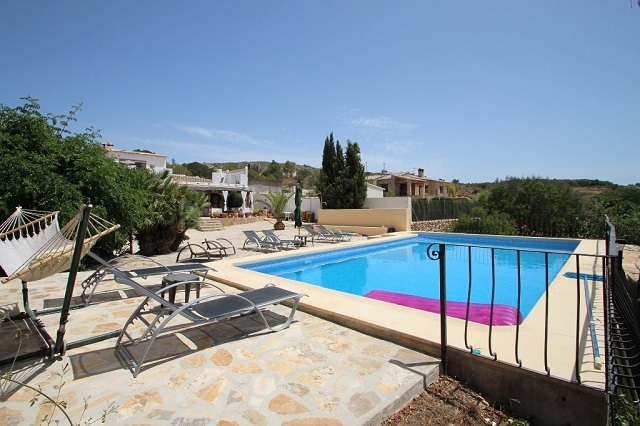 Country Villa For Sale in Teulada
